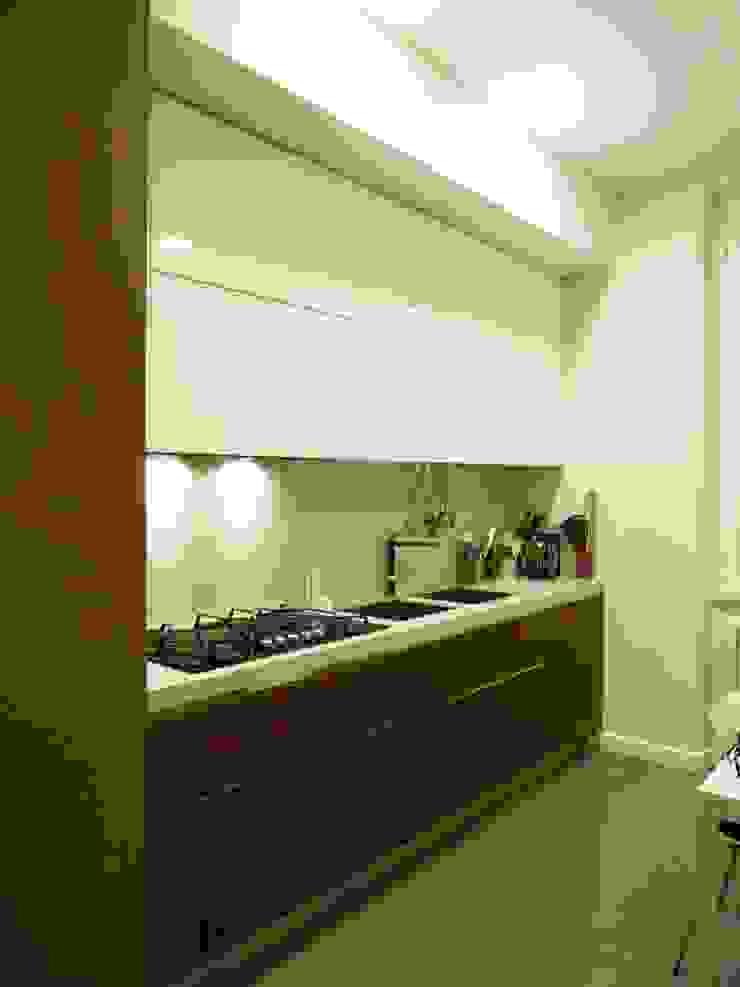 Cucina Cucina moderna di Blocco 8 Architettura Moderno