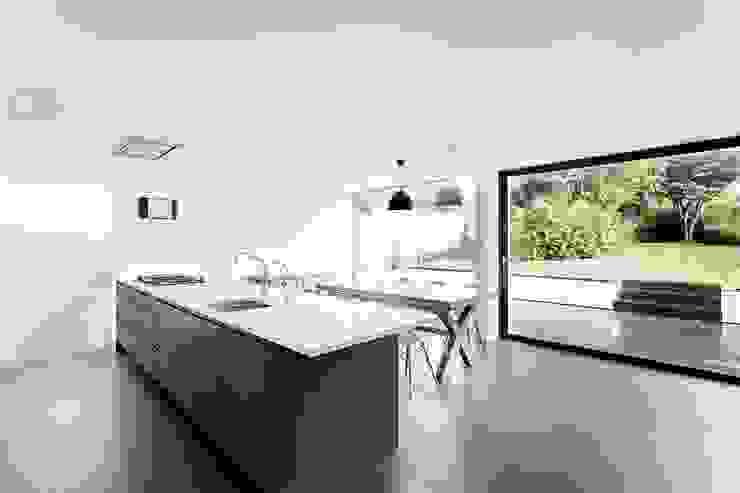 AR Design Studio- The Medic's House Cozinhas modernas por AR Design Studio Moderno