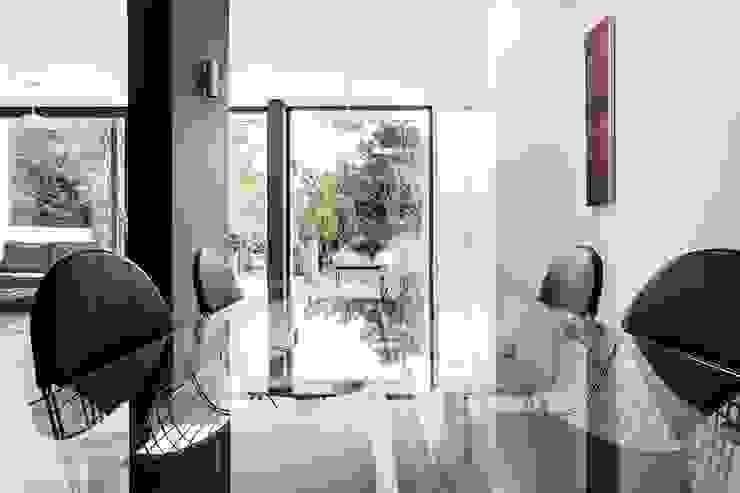 AR Design Studio- Elm Court Modern dining room by AR Design Studio Modern