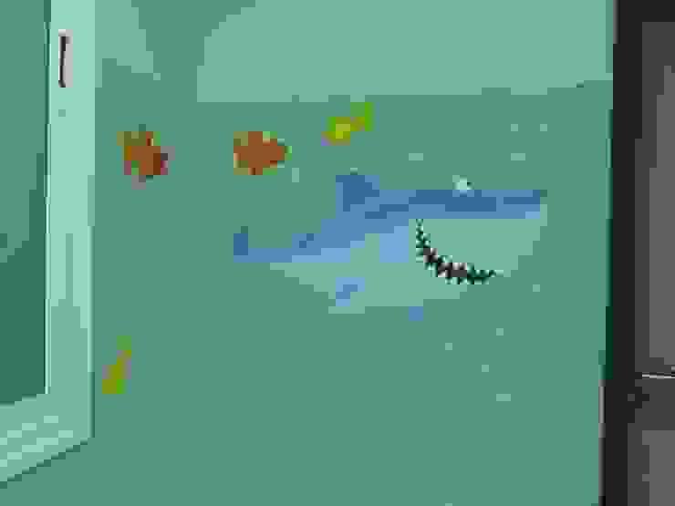 Murales pintados en la Sala de Espera Urgencias Pediátricas. Hospital de Santa Bárbara. Puertollano (Ciudad Real) Hospitales de estilo moderno de MURALES MARAVILLOSOS Moderno
