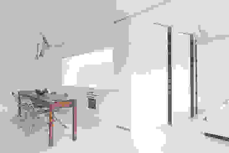 Sschrankblock Moderne Küchen von Alexander John Huston Modern