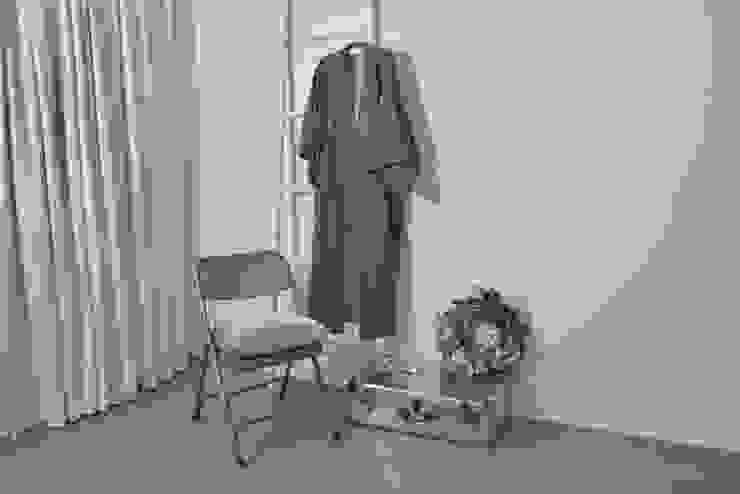 A White Bedroom Modern Yatak Odası Cathy Phillips & Co Modern