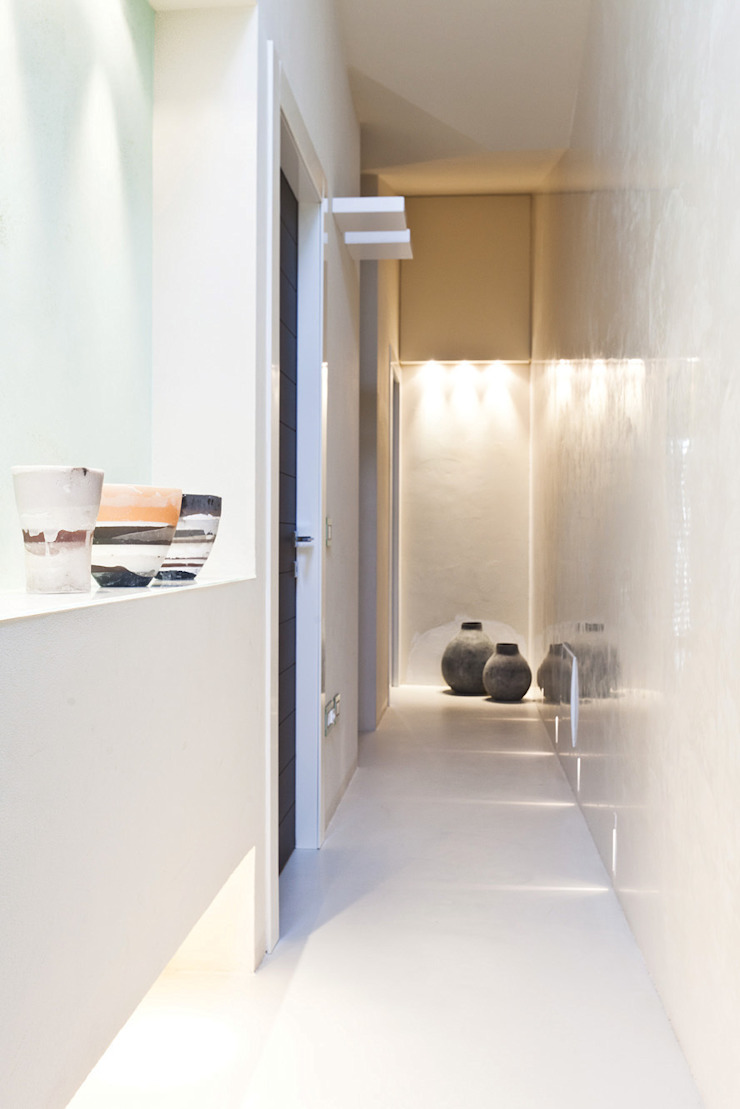 Casa Victoire Ingresso, Corridoio & Scale in stile moderno di Enrico Muscioni Architect Moderno