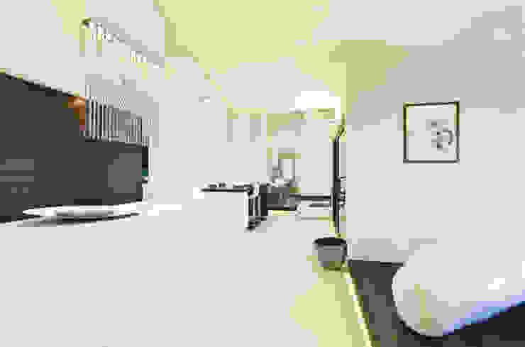 Casa Victoire Soggiorno moderno di Enrico Muscioni Architect Moderno