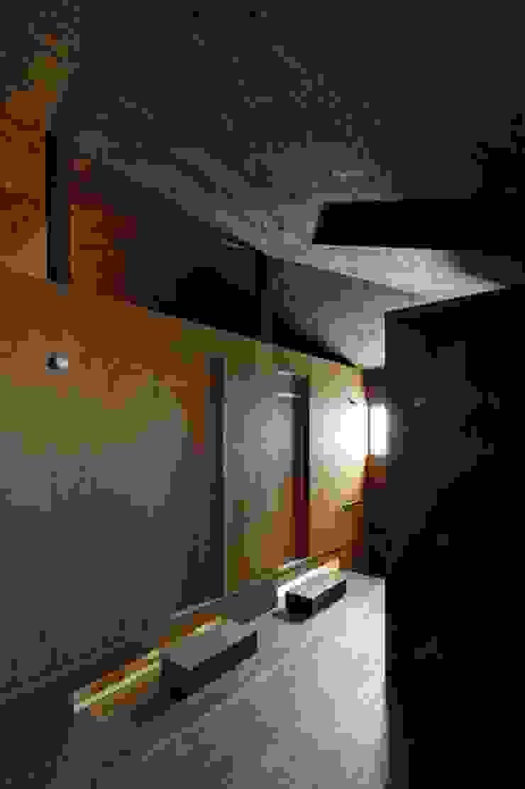 Salas de entretenimiento de estilo ecléctico de eu建築設計 Ecléctico