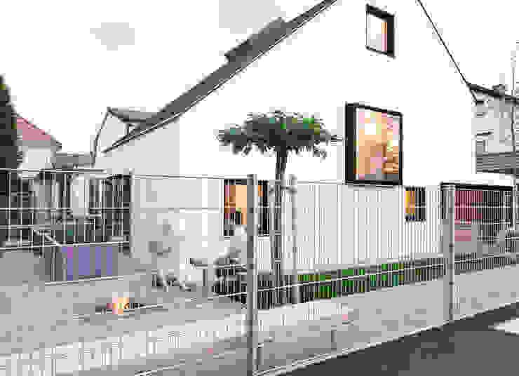 現代房屋設計點子、靈感 & 圖片 根據 FORMAT ELF ARCHITEKTEN 現代風