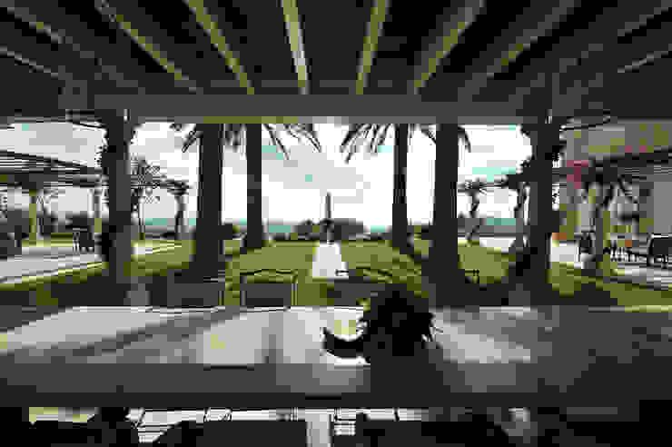 Amplitud Balcones y terrazas de estilo mediterráneo de Fincas Cassiopea Group / FCG Architects Mediterráneo