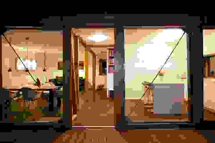 Nachher Bilder – Umbau Moderner Balkon, Veranda & Terrasse von Holzerarchitekten Modern