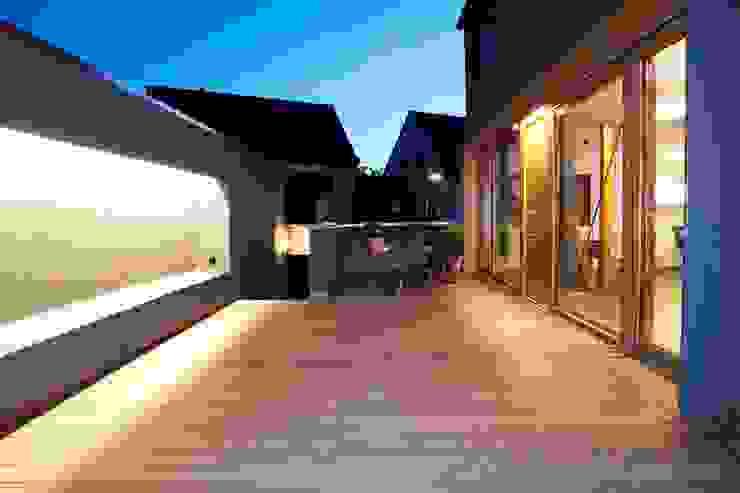 Modern Terrace by Holzerarchitekten Modern