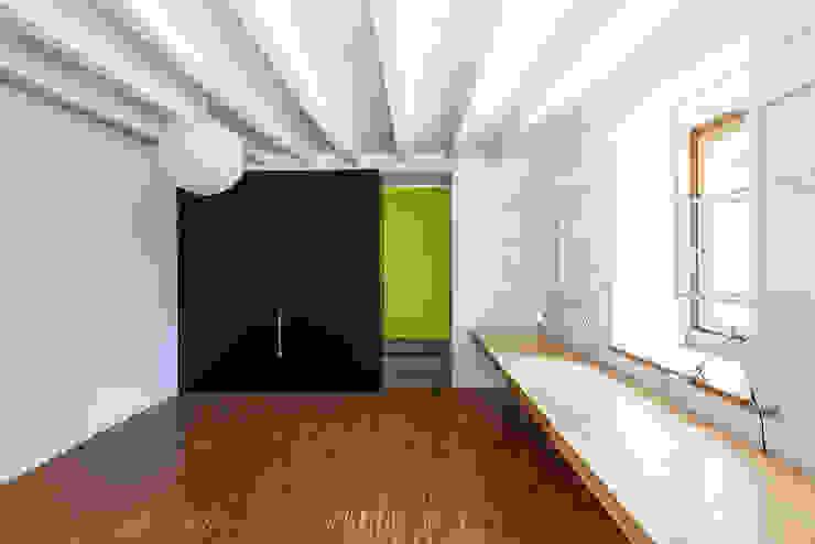 CN13 Stanza dei bambini moderna di CN10 ARCHITETTI Moderno