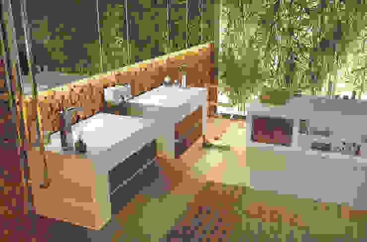 Phòng tắm phong cách hiện đại bởi Architettura & Servizi Hiện đại