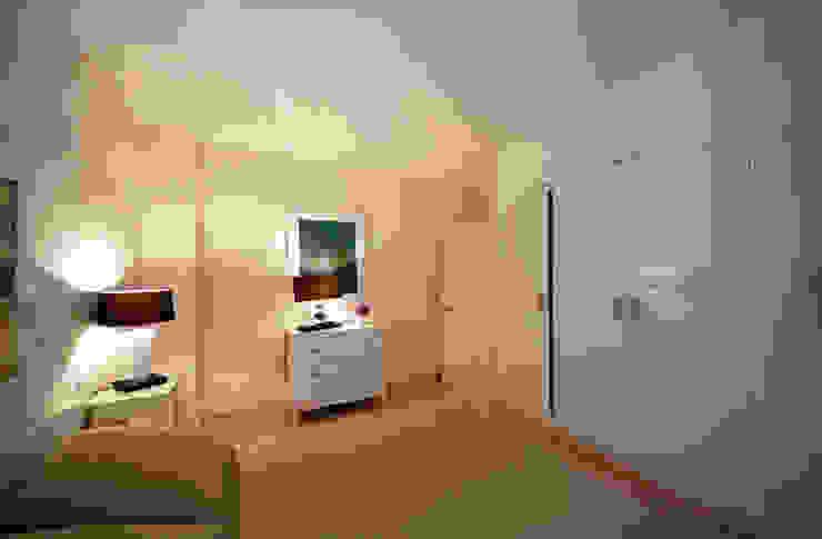 Camera da letto - verso l'ingresso Camera da letto di Marco Barbero