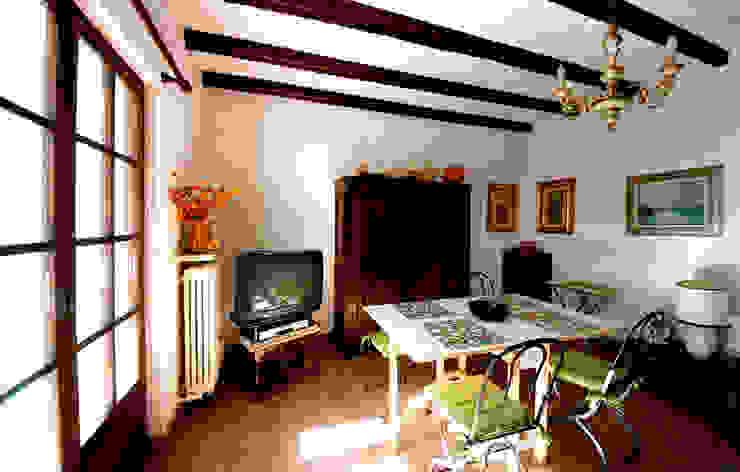 Villa Lago Maggiore – Italia Soggiorno in stile rustico di Marco Barbero Rustico