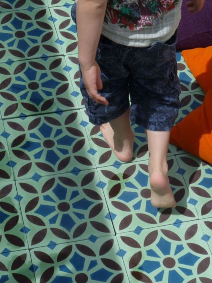 Maroq cement tile de Maria Starling Design Mediterráneo
