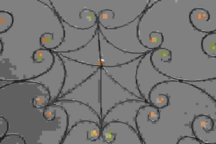 Blattvergoldung eines Pavillion von Illusionen mit Farbe Mediterran