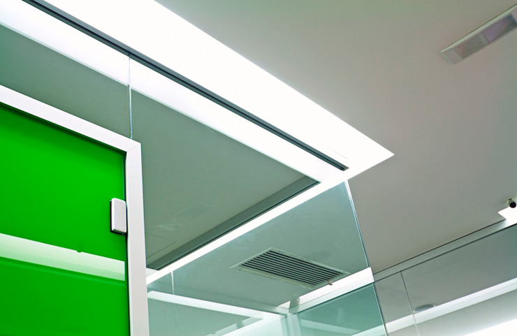 Estudios y oficinas modernos de FèRiMa architetti russo Moderno
