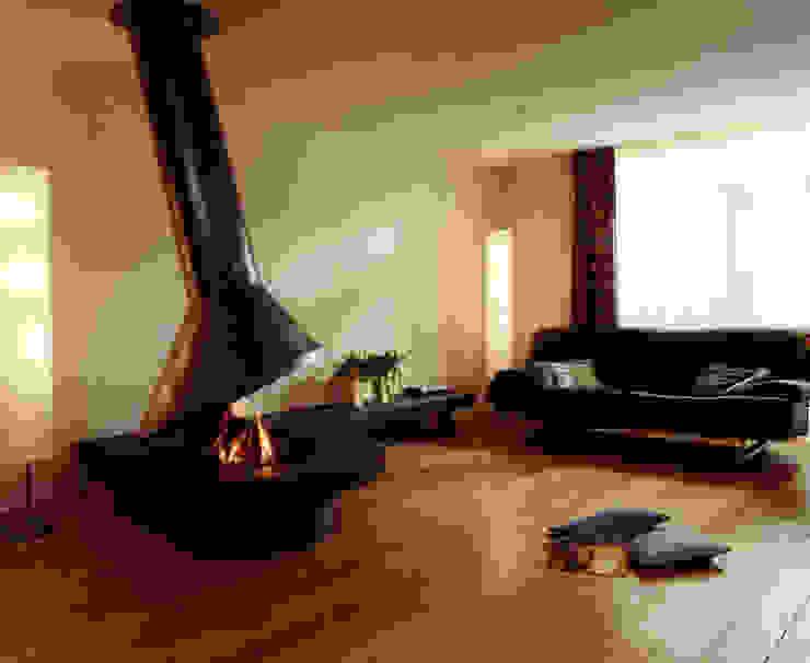 cheminee centrale metal par Bloch Design Moderne