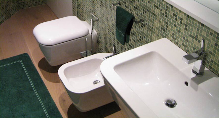 Modern bathroom by Filippo Coltro architetto Modern