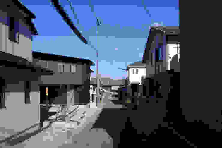 外観(前面道路) 日本家屋・アジアの家 の 秀田建築設計事務所 和風