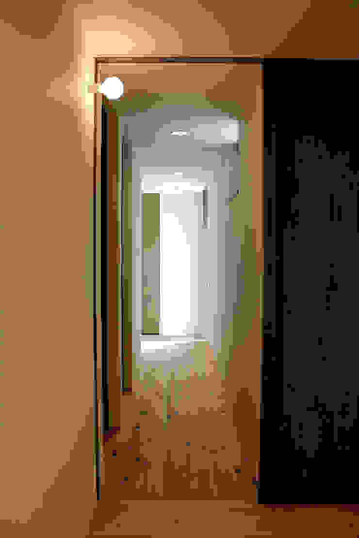 廊下 和風の 玄関&廊下&階段 の 秀田建築設計事務所 和風