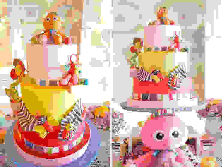 O delicioso e espectacular bolo de aniversário, repleto de todos os brinquedos preferidos da Maria Francisca.:   por Lima Limão-  Festas com charme,Moderno