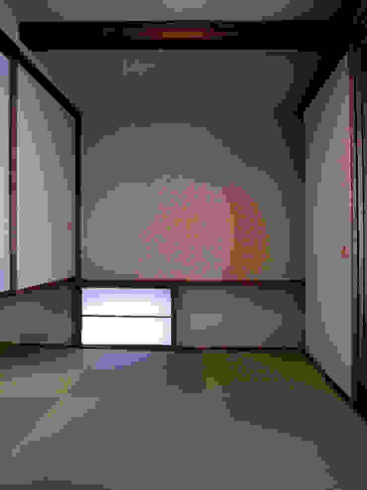 和室 和風デザインの 多目的室 の 秀田建築設計事務所 和風