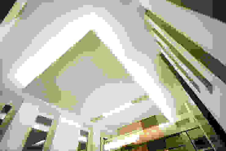 Private Flat APP_G_AL Soggiorno moderno di Diego Bortolato Architetto Moderno