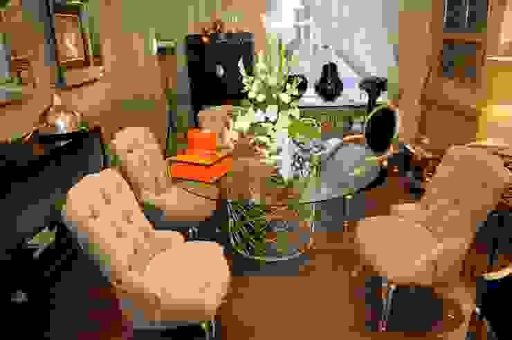 Our Showroom Sweets & Spices Dekoration und Möbel Klassische Wohnzimmer