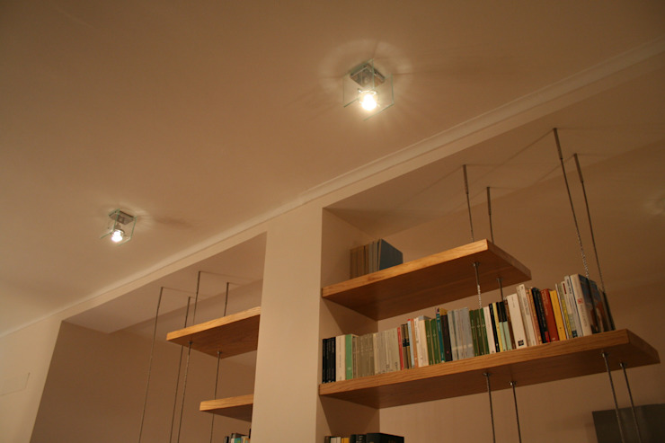 Livings de estilo moderno de enrico massaro architetto Moderno