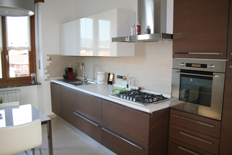 Cocinas modernas: Ideas, imágenes y decoración de enrico massaro architetto Moderno