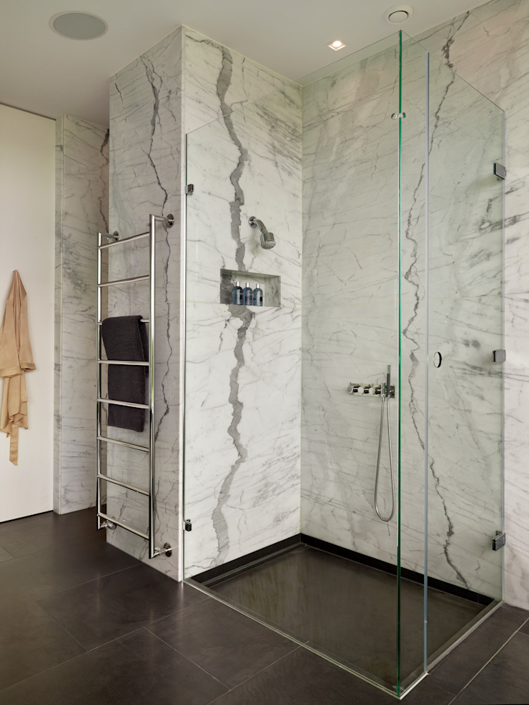 Berkshire 現代浴室設計點子、靈感&圖片 根據 Gregory Phillips Architects 現代風