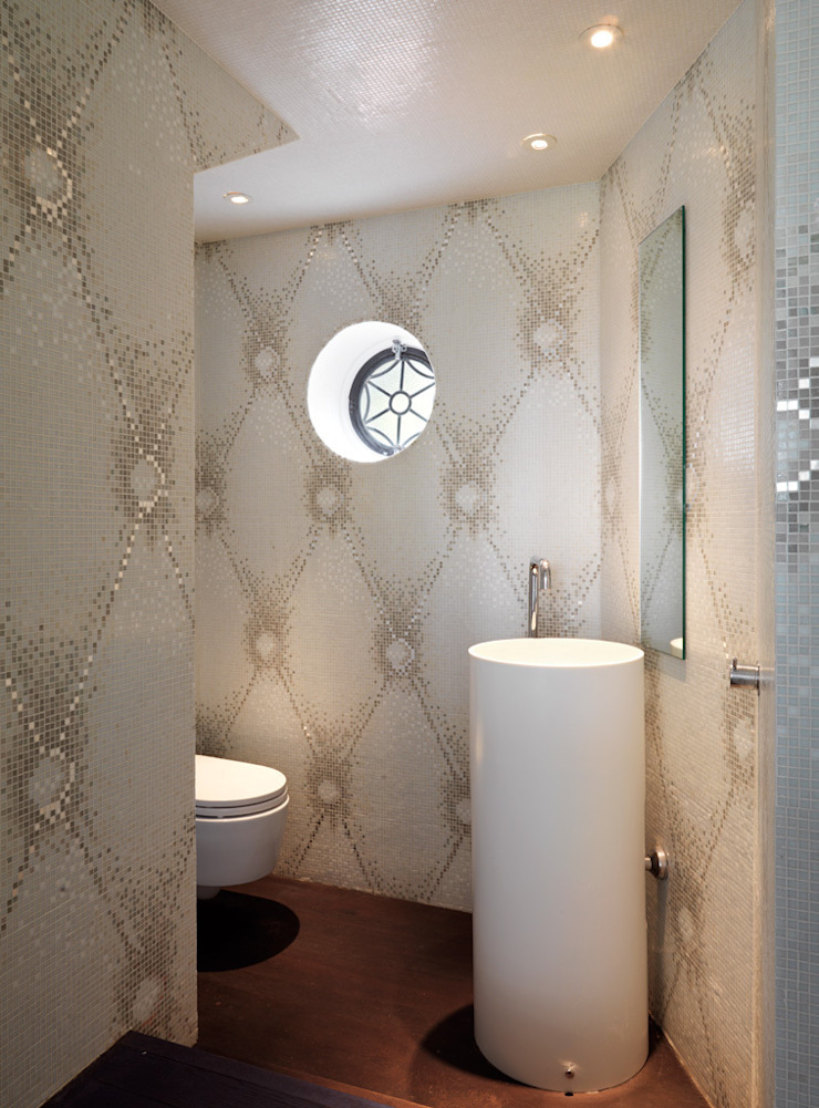 Totteridge Classic style bathroom by Gregory Phillips Architects Classic