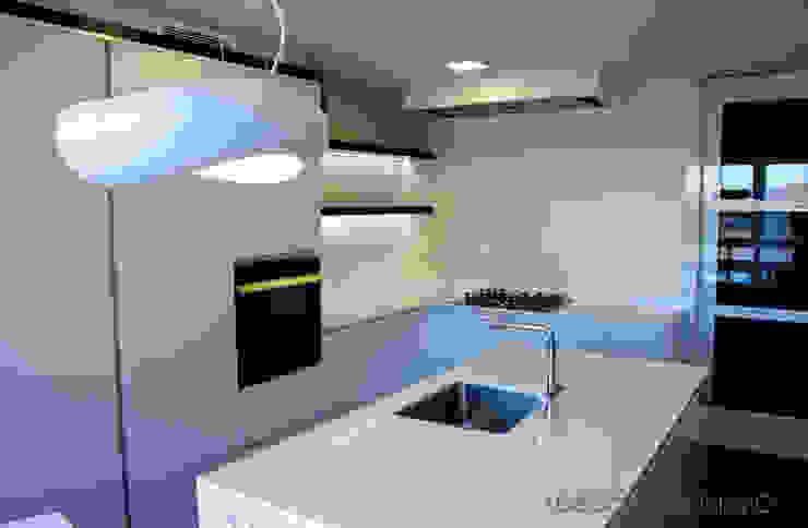 Interiorismo en Paseo de la Alameda, Valencia. Casas de estilo moderno de Ideas Interiorismo Exclusivo, SLU Moderno
