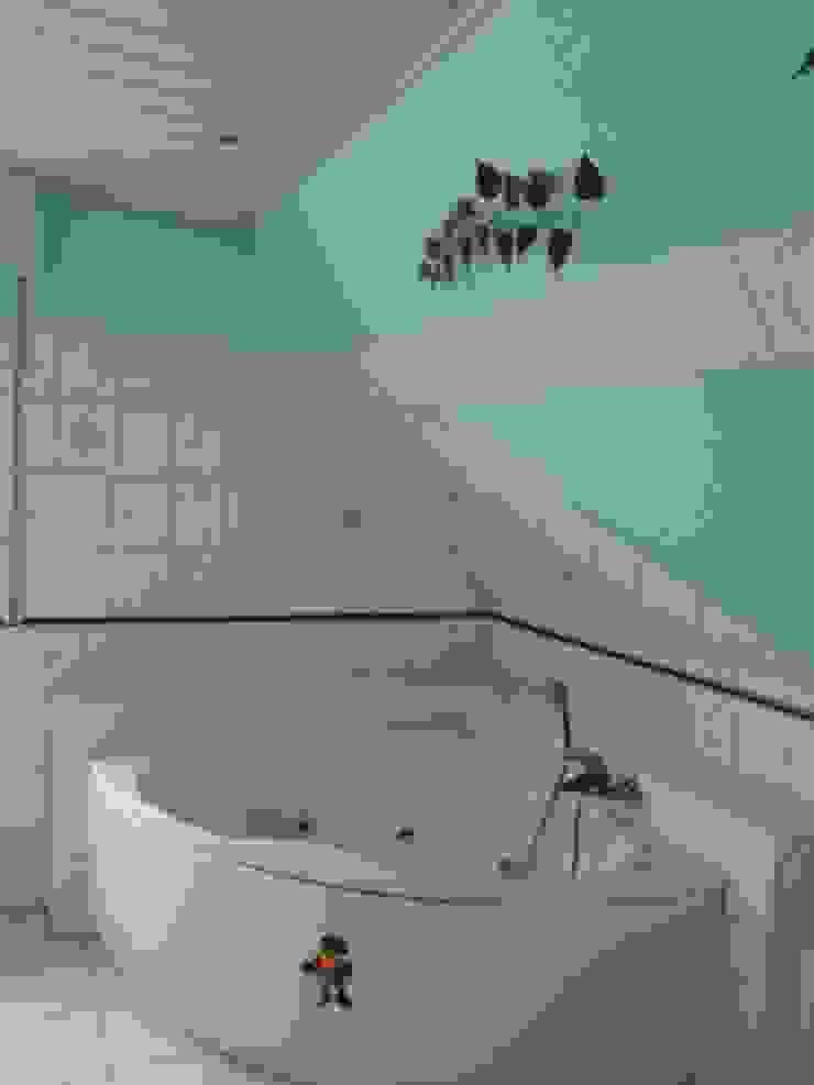 Badezimmer - Vorher Ausgefallene Badezimmer von Interiordesign - Susane Schreiber-Beckmann gestaltet Räume. Ausgefallen