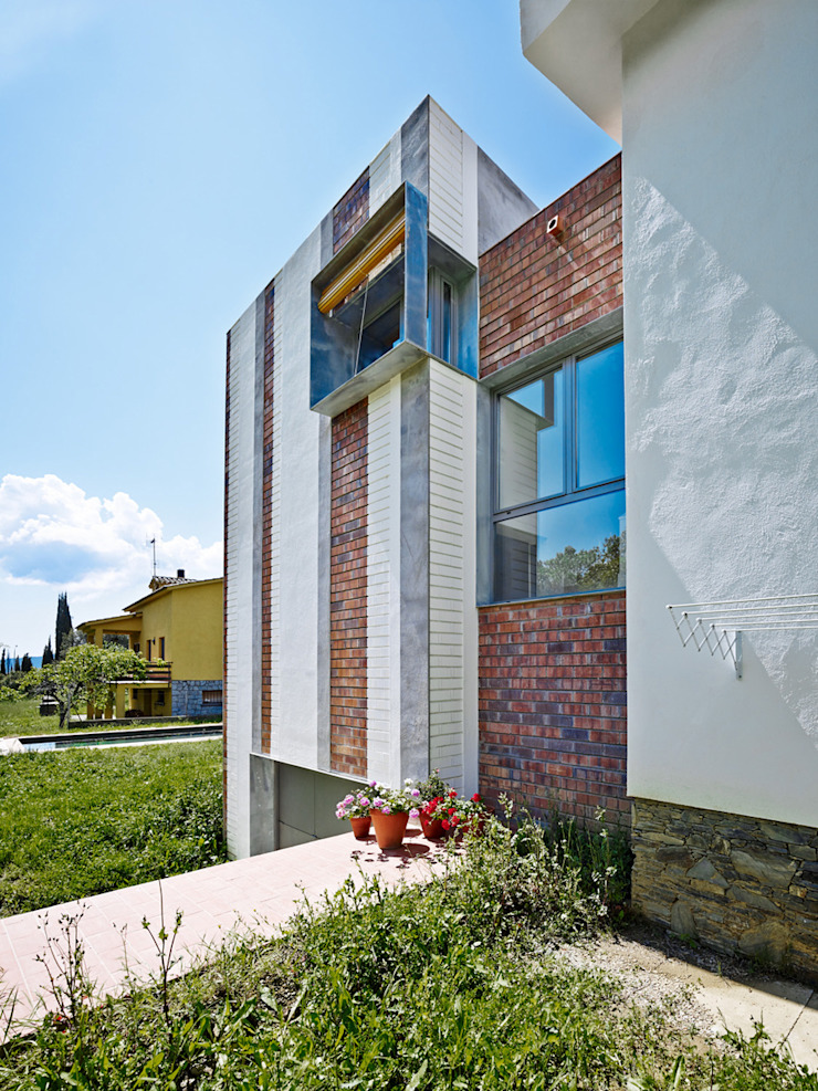 Houses by Anna & Eugeni Bach