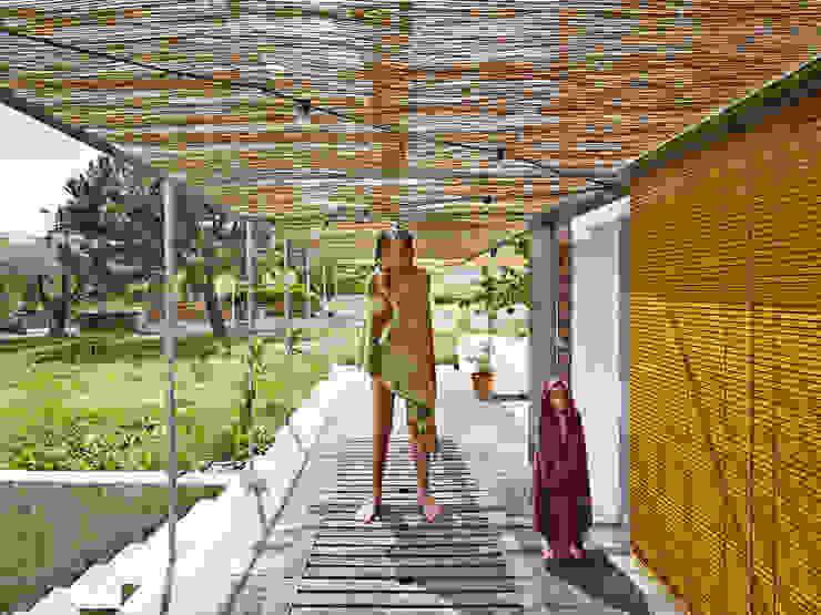 Porche de la Casa Anoro Balcones y terrazas de Anna & Eugeni Bach