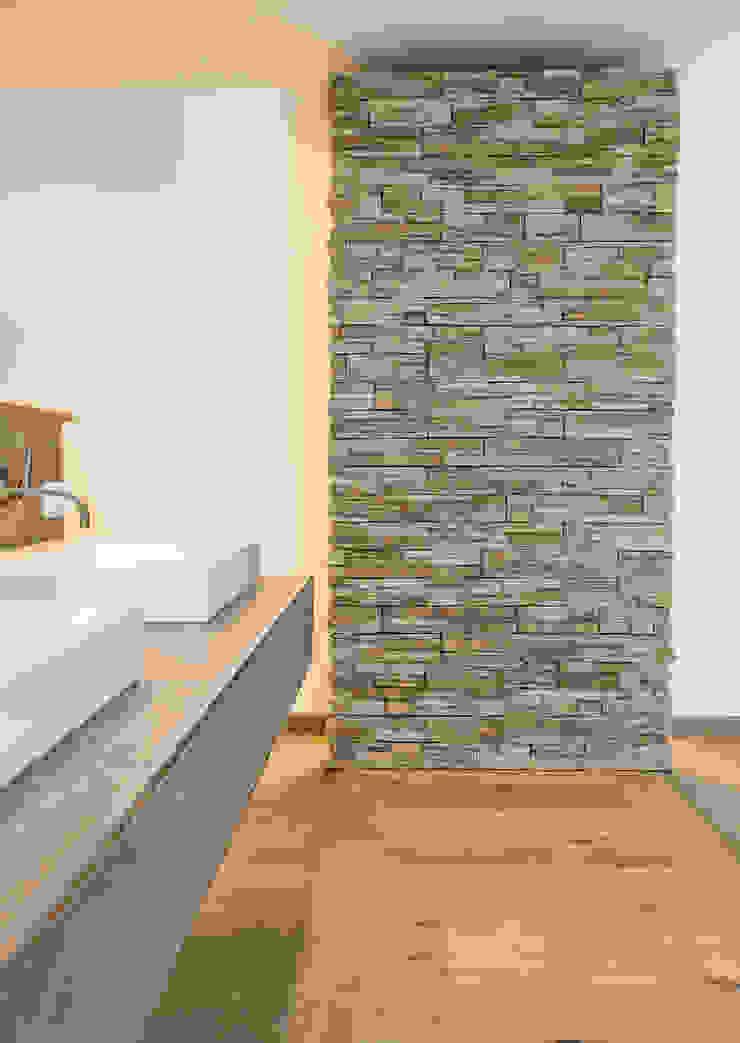 Pientka - Faszination Naturstein BathroomStorage