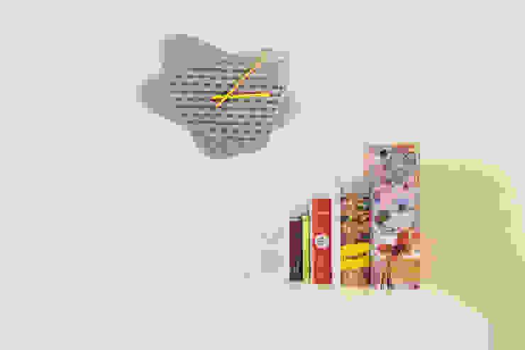 Sophie, Wall clock di Mehdi Pour design studio Eclettico