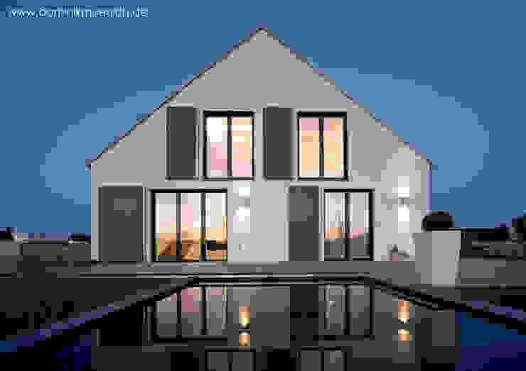 Modern houses by Architekturbüro Ferdinand Weber Modern