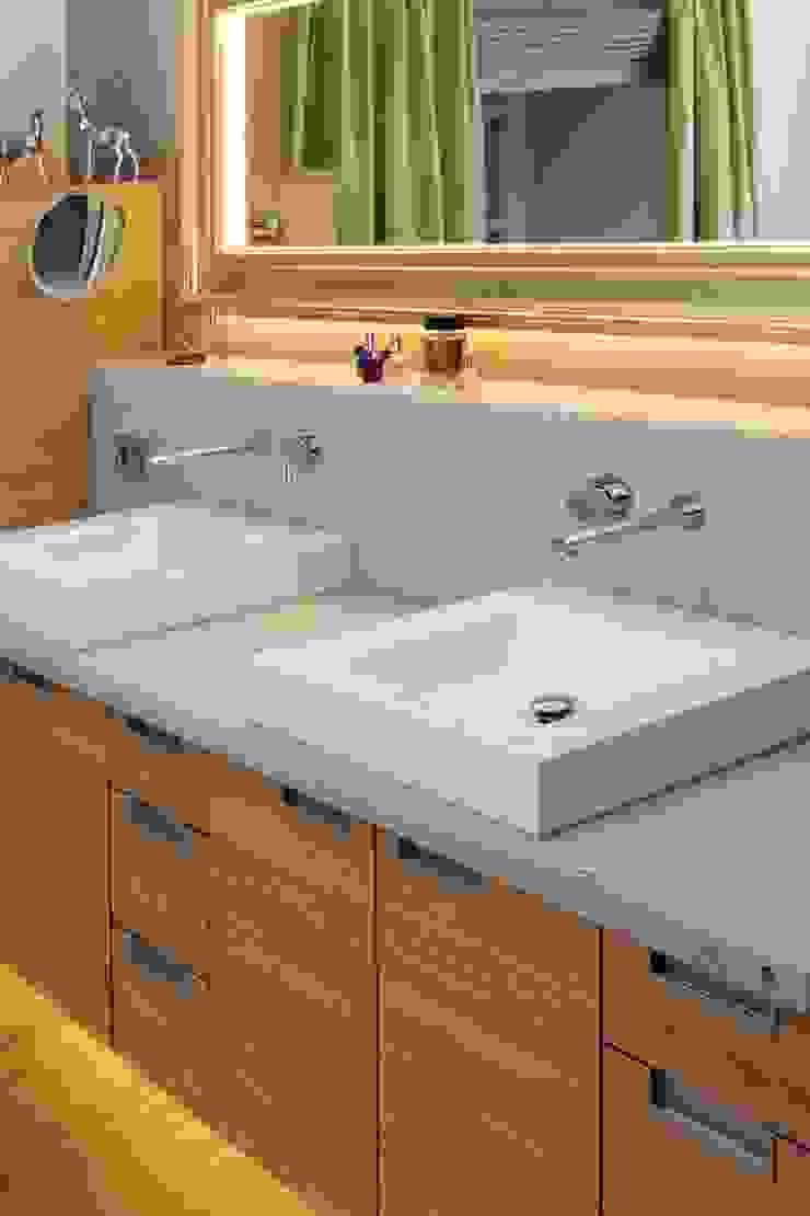 クラシックスタイルの お風呂・バスルーム の ASEwohnkultur クラシック
