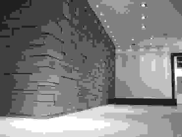 Espacios comerciales de estilo  por Pientka - Faszination Naturstein,