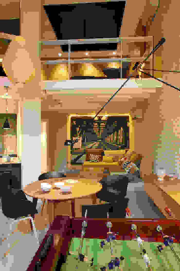 Modern living room by The Room Studio Modern