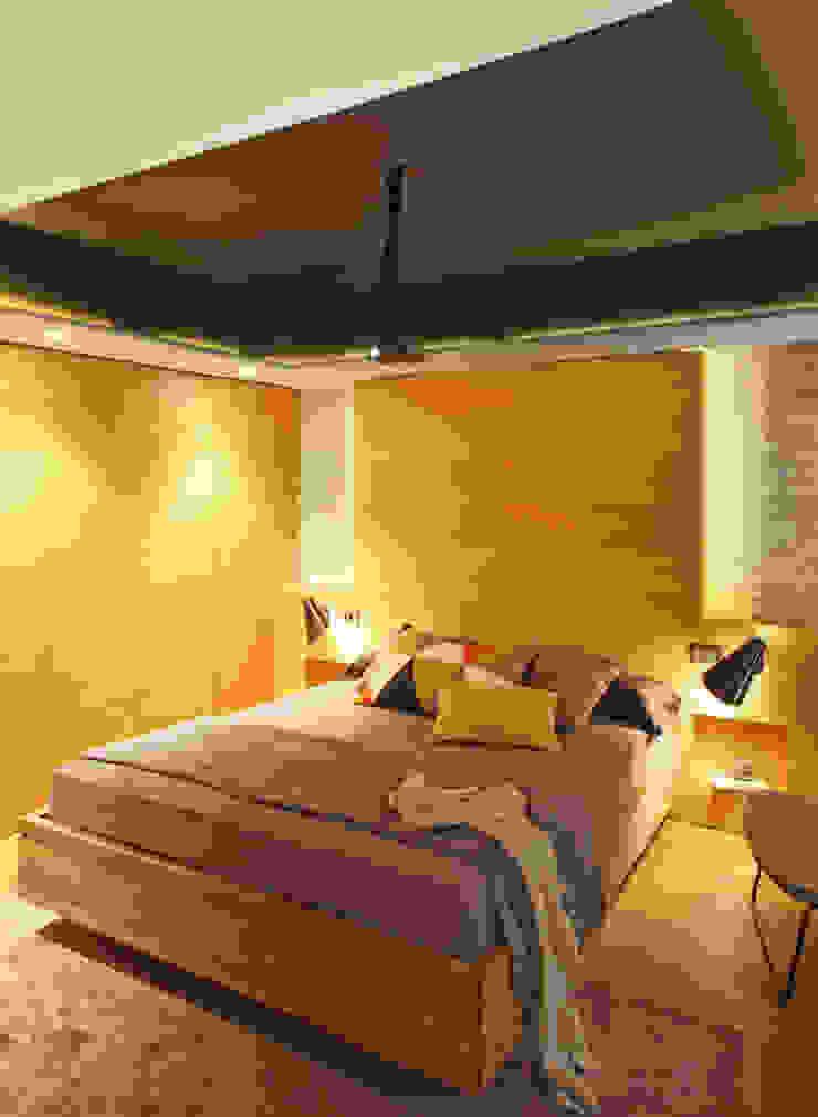 Modern style bedroom by The Room Studio Modern
