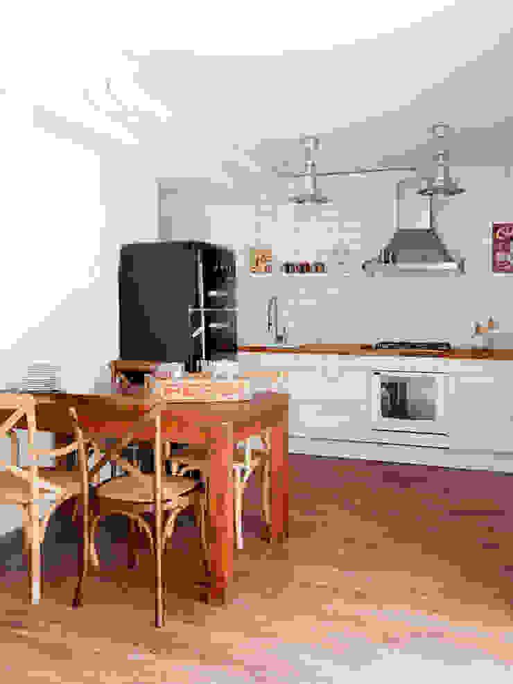 VIVIENDA OLIANA Cocinas de estilo escandinavo de The Room Studio Escandinavo