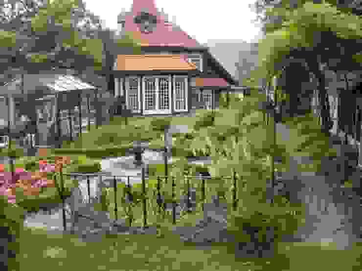 Hausgarten in Aflenz-Kurort, Steiermark Klassischer Garten von KAISER + KAISER - Visionen für Freiräume GbR Klassisch