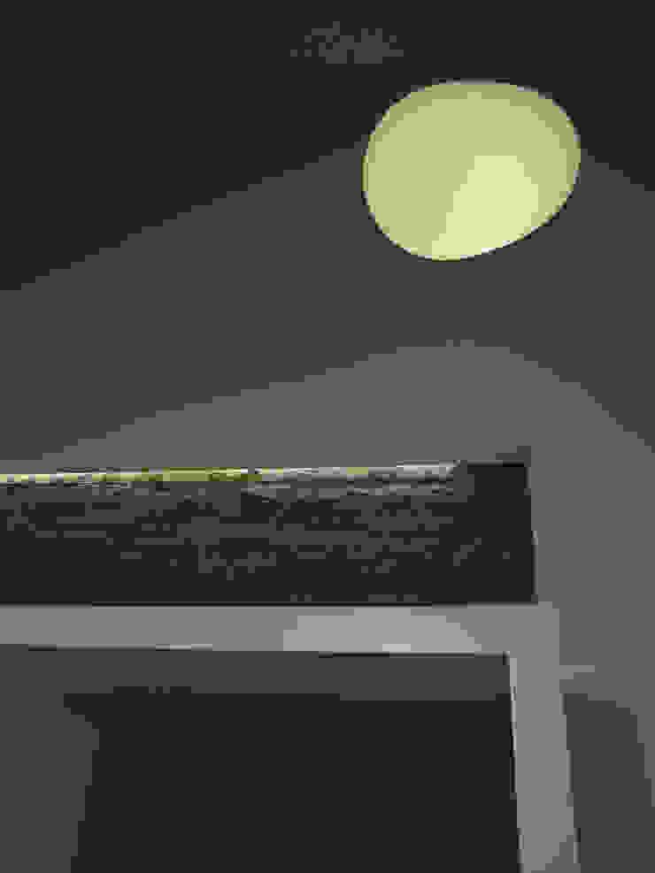 Oleh d2w studio Modern