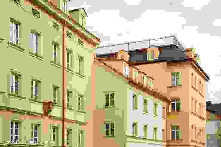 根據 Architekturbüro Ferdinand Weber 古典風