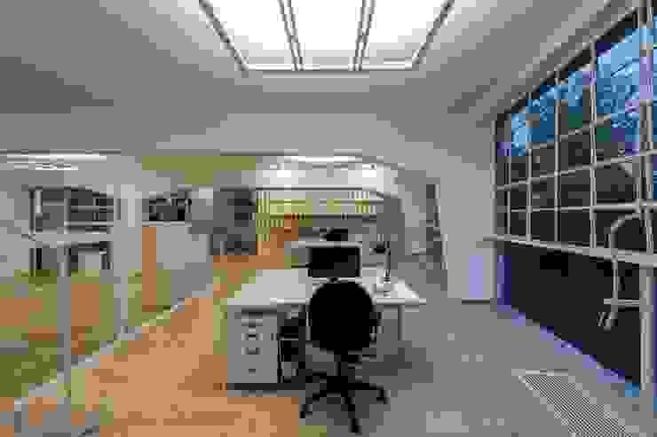 Estudios y oficinas de StudioKami Architecture & Engineering
