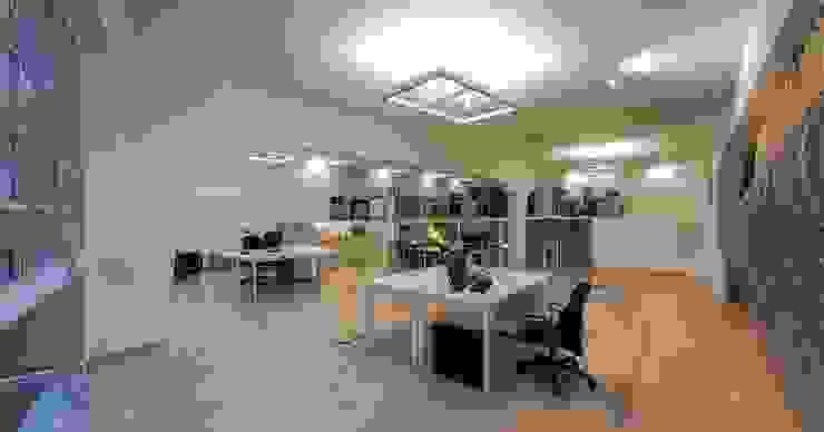 Studio Loft Negozi & Locali commerciali di StudioKami Architecture & Engineering