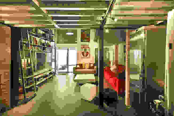 Reforma de un despacho profesional para un actor Salones de estilo industrial de Pablo Echávarri Arquitectura Industrial